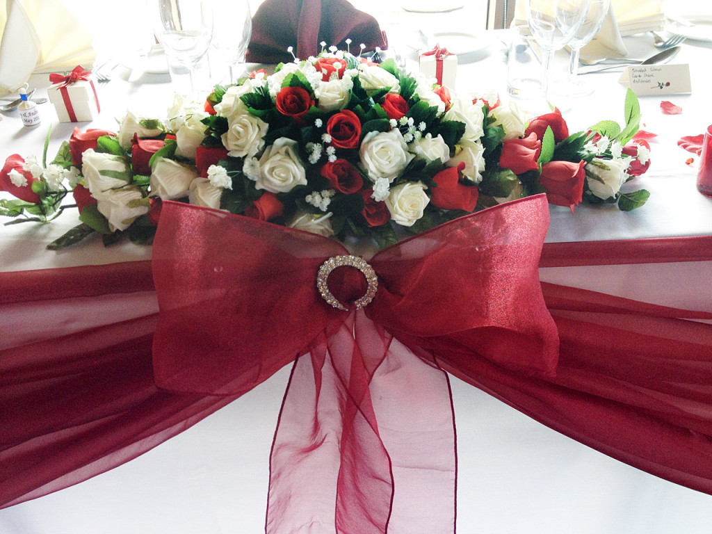 Stylish Seating Table Swag with Diamanté Detail